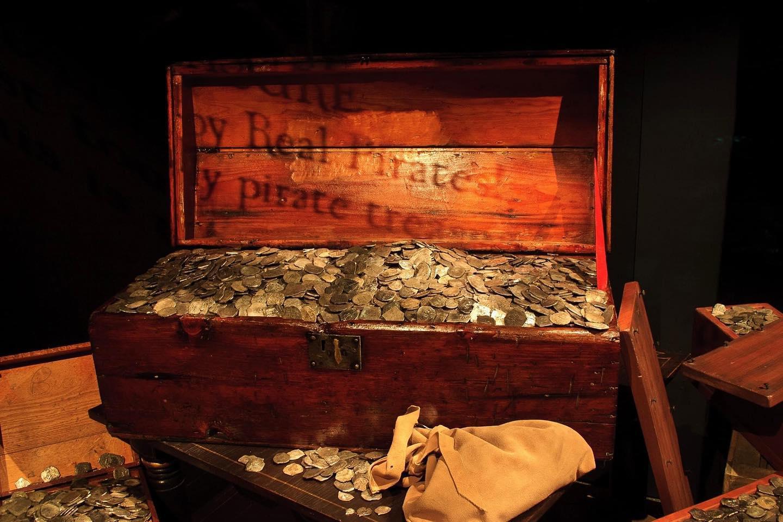 Археологи обнаружили останки шести пиратов