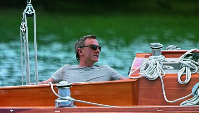 Джеймс Бонд выбирает яхту